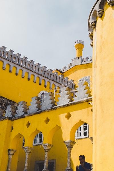 vue de l'entrée du Palacio da Pena